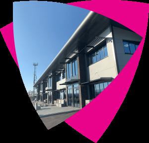 img-pink-shape-office